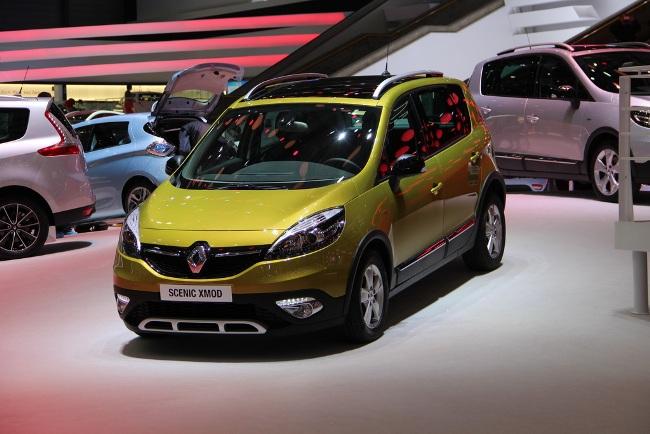 Рено на женевском автосалоне Renault scenic XMOD вид спереди